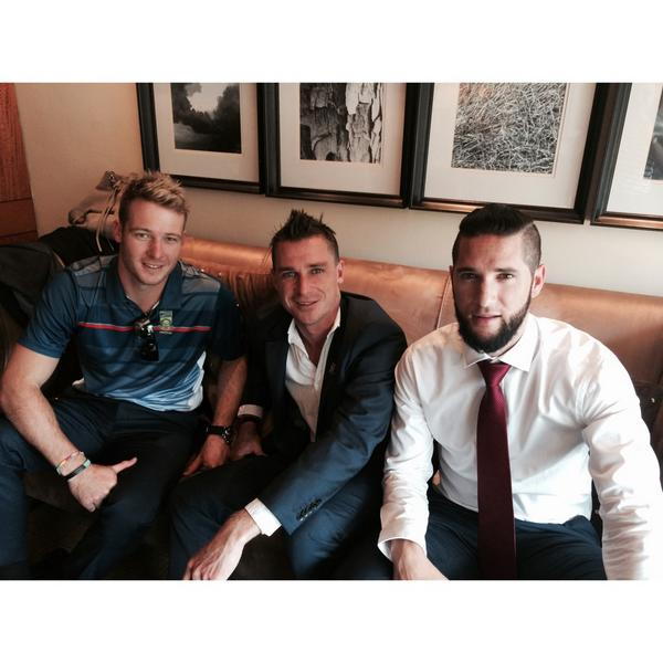We're mingling with the @OfficialCSA guys - @DavidMillerSA12, @WayneParnell & Dale Steyn let us sneak in a picture http://t.co/VMkyDvDcvQ