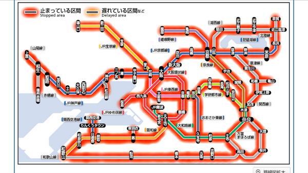 おお〜ついに真っ赤に染まった…京阪神のJRが完全停止。 http://t.co/jbRuMS3o7F