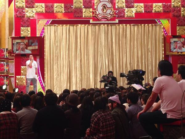 キングオブコントのスタジオ覗きに来たら、前説でRGさんが決勝進出者全員のあるある歌って客と芸人相手に爆笑取ってました。 http://t.co/PdNviR4h4w