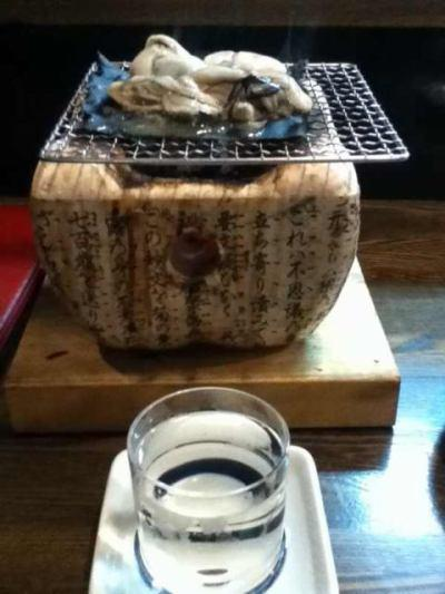 酒はてづくり七福神。料理に牡蠣の昆布焼きをいただく。ミルクの様な味わいでうまい。 @ 味勢に写真つきタッチ! http://t.co/rfZntMpVmP http://t.co/7XL3oVf6U2