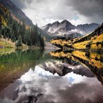 RT @WeatherBug: Reflecting Autumn at the Maroon Bells in Colorado is our #photooftheday. #cowx http://t.co/2IxDWdyavr http://t.co/61eLzp2wIi