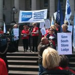 @3AW693 Nurses rally against aged care sell off by the Napthine Govt #springst http://t.co/1QGkLT0Aci