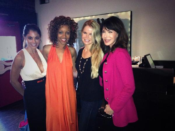 What a joy 2 wk with @AbsoluteHunter @TVGN @Crystal_Hunt @L_Hartley @ChrysteePharris #queensofdrama http://t.co/YIs9zrSbMJ