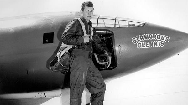 #OnThisDay 1947, @USAirForce Captain Chuck Yeager broke the sound barrier. http://t.co/eBbKyvDtAC http://t.co/GfouhK314A
