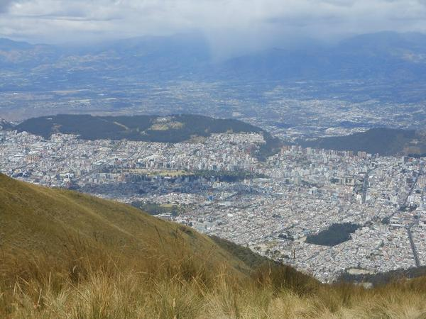 #Quito, capital of Ecuador, is one of the 14 Finalists in #New7Wonders Cities. Vote! http://t.co/YdthtZTzki http://t.co/b42tblynZs