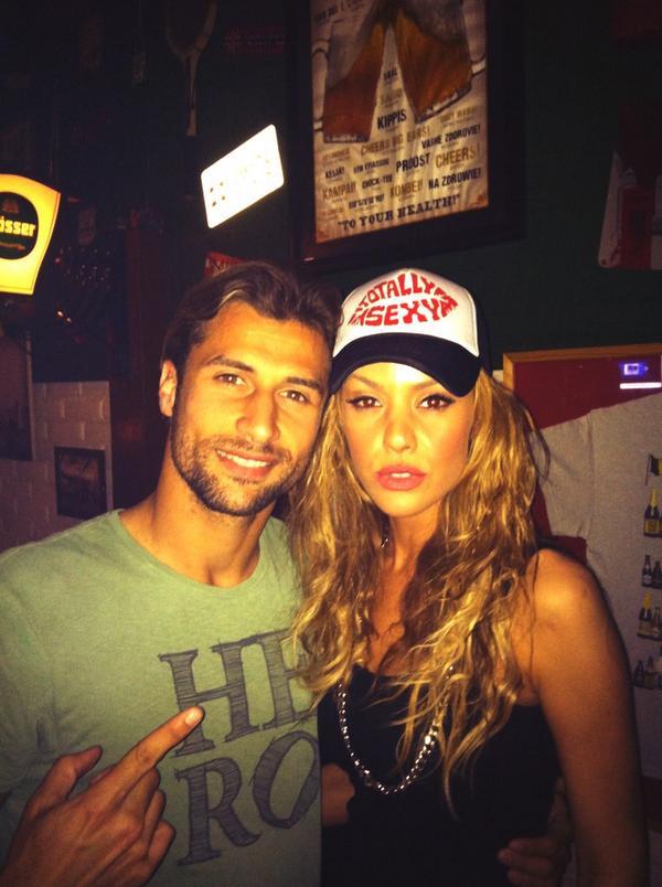 #UneBesoj go #Albania #lorikcana #makeus #proud http://t.co/eenuEmRMjQ