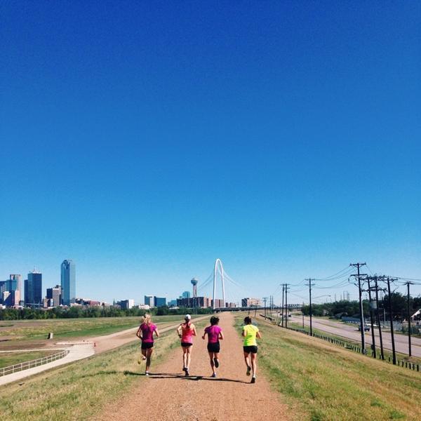 RT @steph_steeples: Girls on the run / #seemyrun @newbalance #teamnb http://t.co/371EkOjzjg