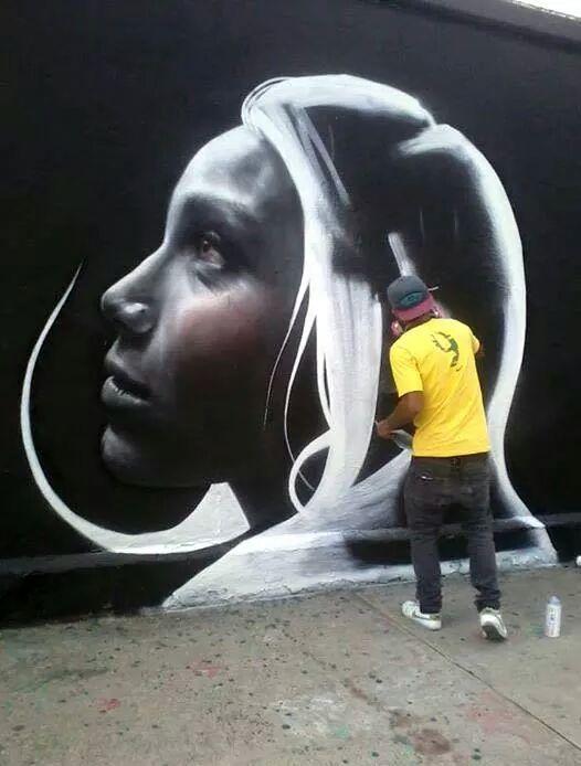 By Diego Zelaya #streetart #graffiti #mural #stencil #spraypaint #urbanart http://t.co/IA9JO7KuSE