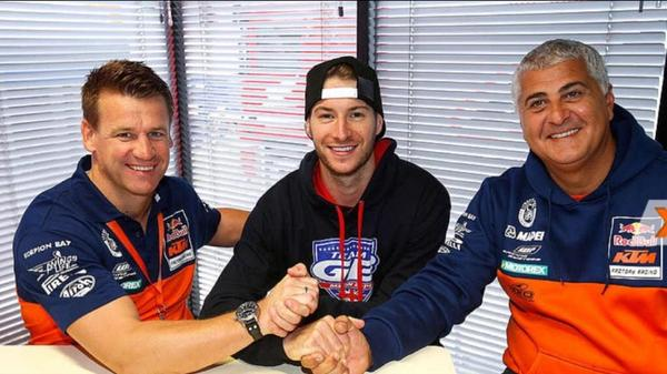 Looking forward to 2015 a fresh start with The Red bull Factory KTM team  http://t.co/tr44wEFL92 http://t.co/hQzbagEEKK