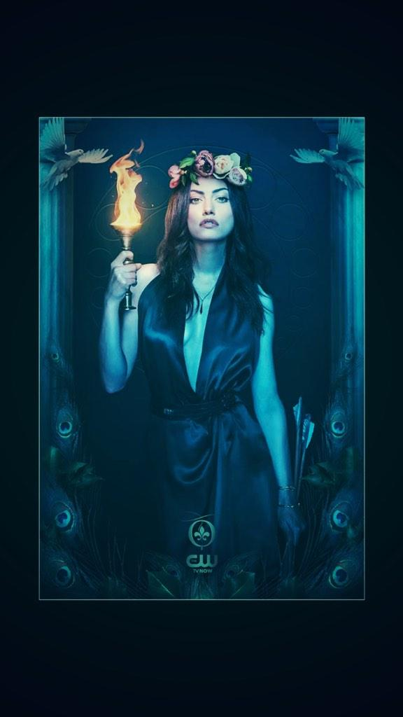 Queens rise and fall...and rise again. @1PhoebeJTonkin #TheOriginals http://t.co/kqicvKDRj4