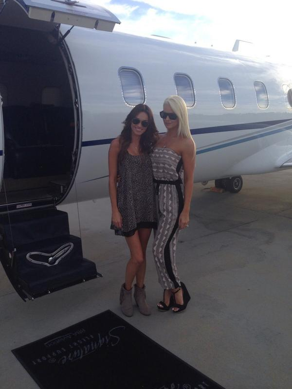 """@maryse0uellet: Let the GAMES begin!! #Vegas #JetSetters @REALCassiColvin http://t.co/stHAO3xAjw"" LET GO!!!!!"