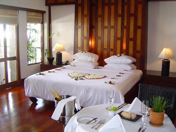Love is always the theme of a couple suites. Celebrate with your special one at Baan Yin Dee Boutique Resort @CNN http://t.co/5hHhTysc1N