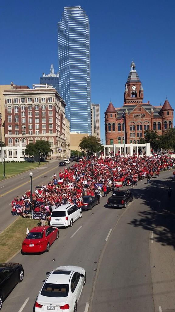 So proud of the @TrvlngTxns for showing up in record numbers. #TexansTakeoverDallas http://t.co/hvKuQl2IaX