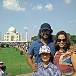 Took the family to the Taj Mahal-waited in the long queues n walked with the public .felt so connected. Spectacular http://t.co/BXZrmThq01