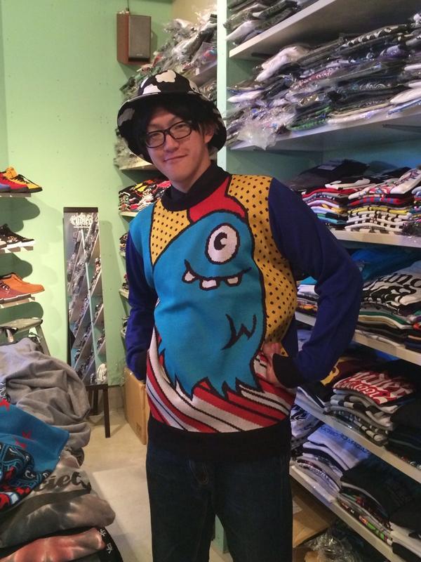 ロリクレのニットが人気です♪ざっくり着るといい感じ! http://t.co/t2NbGYLQG9