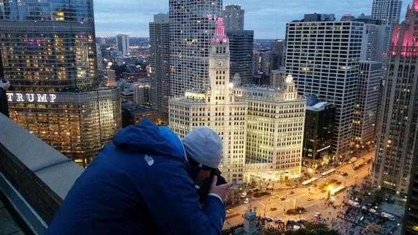 This city is amazing. With @rawss and @apapics #chicago #timelapse #chicagofirefestival http://t.co/3MfhMQPZXl