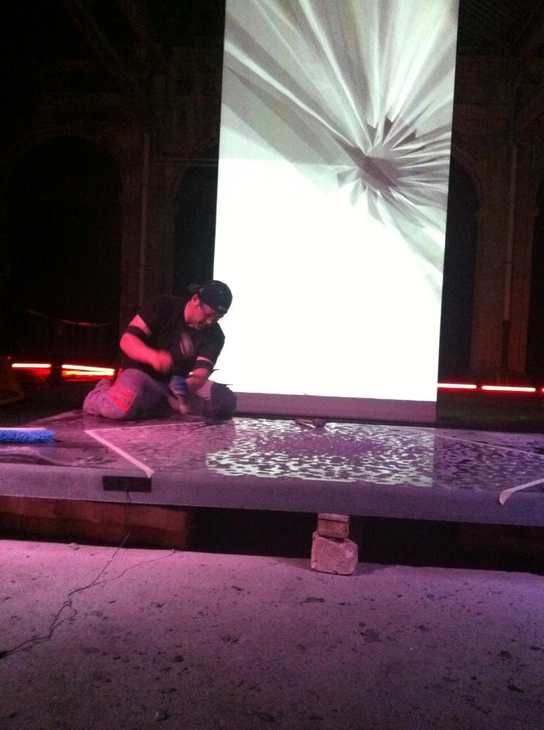 #impresionante #nocheenblancooviedo con #biolove de Mulero y fiumfoto y el genial #tadanoriyamaguchi gracias #oviedo http://t.co/K05MKG6cS4