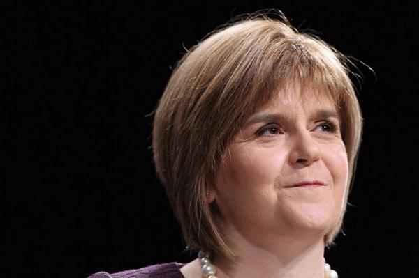 Sturgeon: Devo max will bring independence closer http://t.co/aX9eBssC4I http://t.co/vVVnuqYXbo