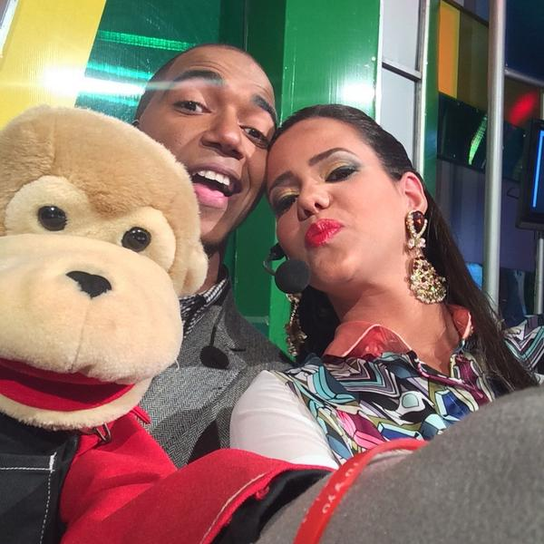 Ñeñeco tira selfie!!! Jajajajajaja casi me saca a liondy de la foto