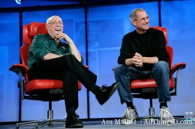 Today is the 3rd anniversary of the death of Steve Jobs. This is the essay I wrote that day. http://t.co/UNKXXCzcza http://t.co/whO3gejgh9