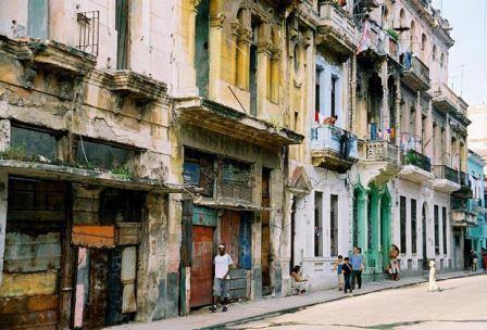 """""""@federicoalves: La Habana es el lugar perfecto para la película """"Cuando el socialismo nos alcance"""" http://t.co/HzixtZYpcR"""""""