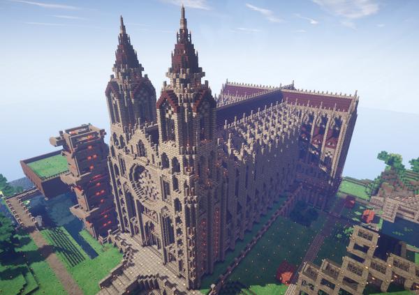 2月1日の着工から8ヶ月を経て、Central地区の大聖堂が完成しました!!!ゴシック風の外観とロマネスク風の平面形式を併せ持つ建築で、東西長さ131m、尖塔の高さは75mに達します。 #vostokraft http://t.co/InQPuJFRjx