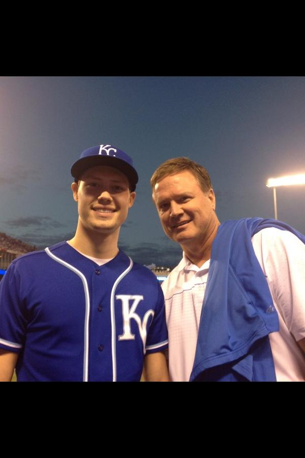 What a night at the K. Nothing better than baseball with your son. #TakeTheCrown http://t.co/YPDOVfuIjM