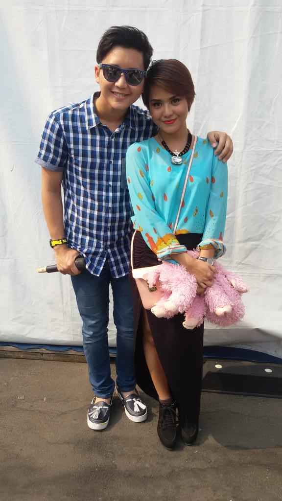 Its so happy to see you and do performance in @InboxSCTV_  hhehe.. see u again@Rangga_Moela http://t.co/Gs549jzYd7