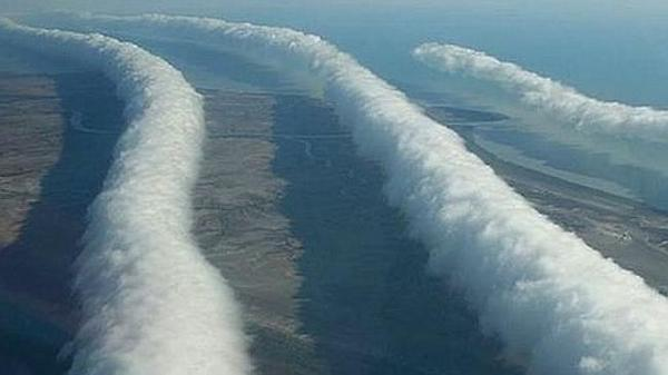 Rare weather phenomenon - morning glory clouds - rolling in: http://t.co/jCDpbozBcz http://t.co/fmIi0Lh98P