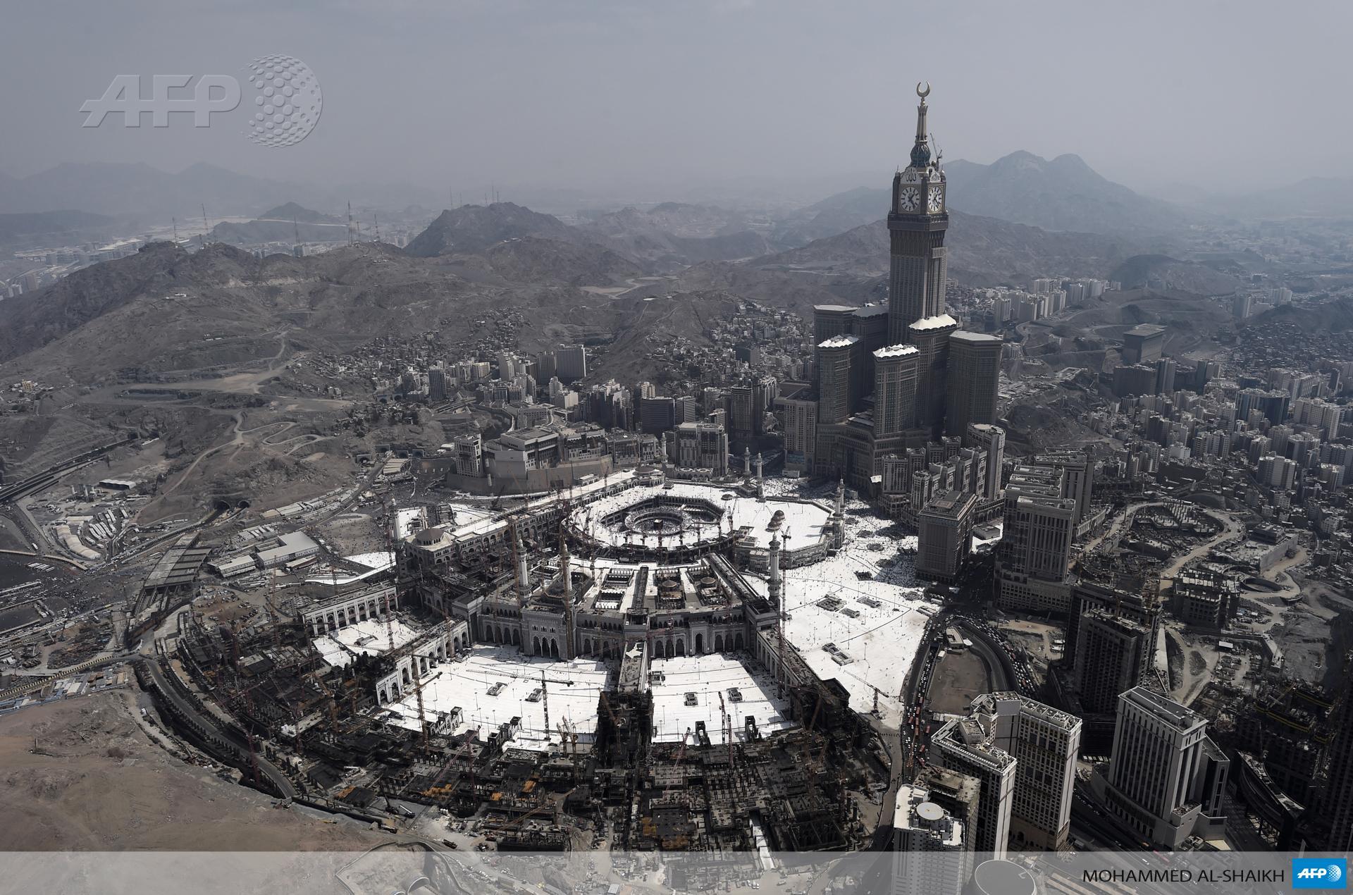 #instantané Vue aérienne de La Mecque par @Alshaikh_BH #AFP http://t.co/RapLe5kYRC