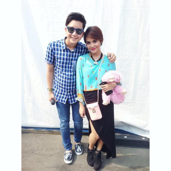 "♡how lovely to see u again !! :* ""@Rangga_Moela: My ""Mystery guest"" @InboxSCTV_ this morning @mythaLestari gamy!! :P http://t.co/CSRttEnHrA"""