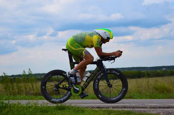 Excited to be on the back of a @quintanarootri PR6 for Kona and the next 3 years! come by the expo tomorrow to say hi http://t.co/CfxlZsJzhM