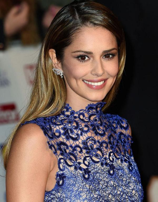 No tricks, no gimmicks; I just did the simplest #makeup on stunning @CherylOfficial 4 2night's #PrideOfBritain awards http://t.co/p6NQG3V18n