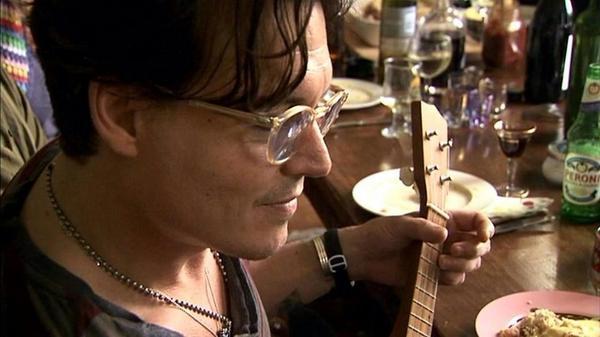 Sharon Depp (@SharonDepp): Depp Sexy :P: Nom http://t.co/4VIpI9uem0