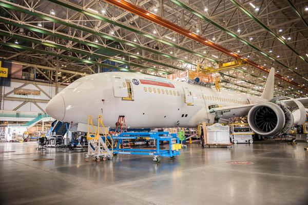 American Airlines (@AmericanAir): Our first #787 now has its engines as it sits in Position 4 in the @BoeingAirplanes Everett factory. http://t.co/84GybF7gBD