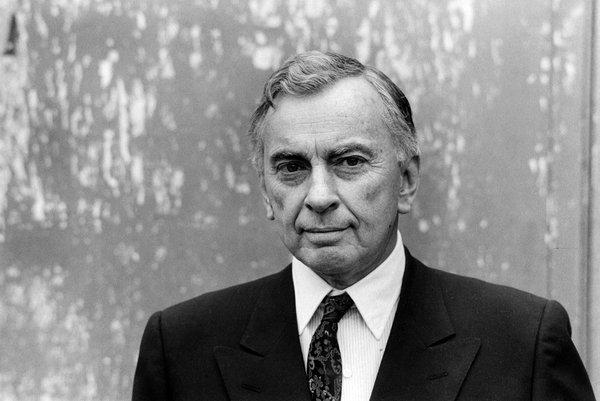 """Style is knowing who you are, what you want to say, and not giving a damn."" - Gore Vidal http://t.co/iuPaPcwFPp"