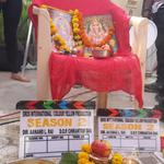 Blessings, Ashirwaad and Duaaen pls.  First day of Shoot. Tanu n Manu are back. http://t.co/MzMj9541os