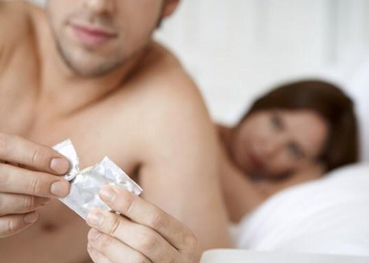 test ツイッターメディア - 女の子に聞いた話。『膣外射精は避妊じゃないです。ガマン汁には精子が含まれてるから、射精する直前じゃなくて、挿入する前から必ずコンドームをつけます。ピルじゃ感染症は防げない。彼を信用しない訳じゃないけど、ピルを飲んでいても絶対つけます』 https://t.co/nmd6J1nQOl