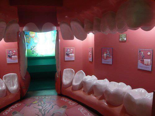 La mejor sala de espera de un dentista que hayas visto! http://t.co/KUbqqS86My