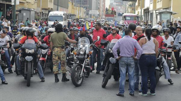 RT @BPGINGERENCIA: ¿Porqué el CICPC no detuvo a Odreman, en el funeral d Serra, siendo  prófugo de innumerables crímenes.? Quinta Crespo http://t.co/DGiR4NXVyv