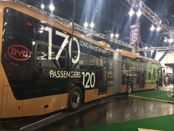 .@BYDCompany unveils world's largest electric vehicle: can transport 120 passengers 170 miles! http://t.co/pQwixiU7Yo http://t.co/p8KPtECHA8