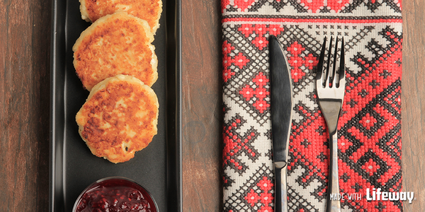 Say hello to #Fall with this recipe for hearty, delicious syrniki – Russian cheese pancakes! http://t.co/D1Z3EwkxxW http://t.co/HLZvz40jQY