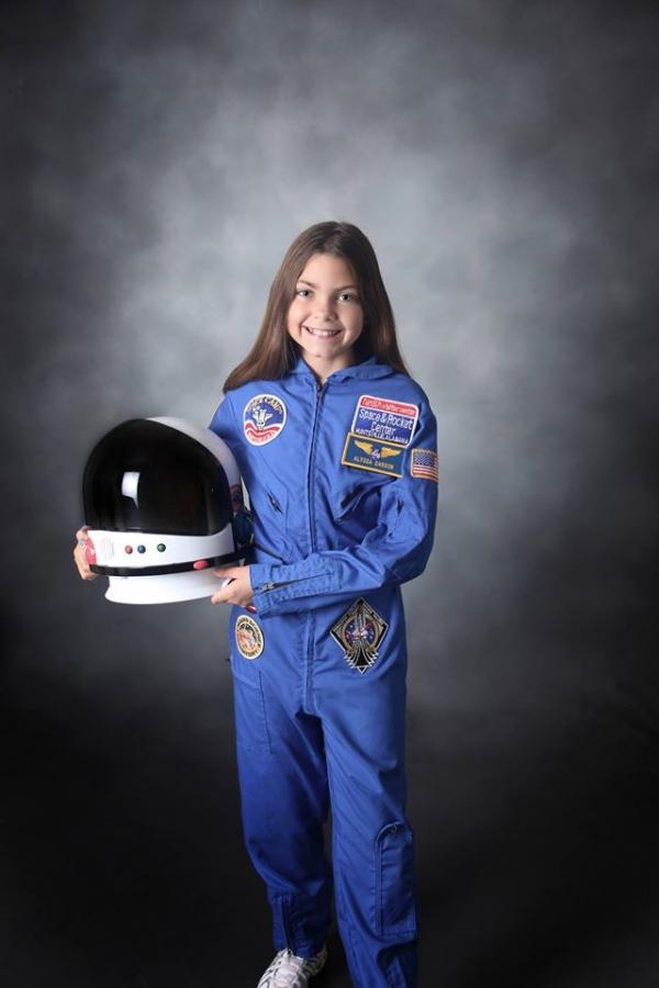 WOW!!!  Mars Mission: 13-Year-Old Girl Could Be First To Step Foot On Red Planet http://t.co/tcIfN35i1I http://t.co/RkmVgAE3BX