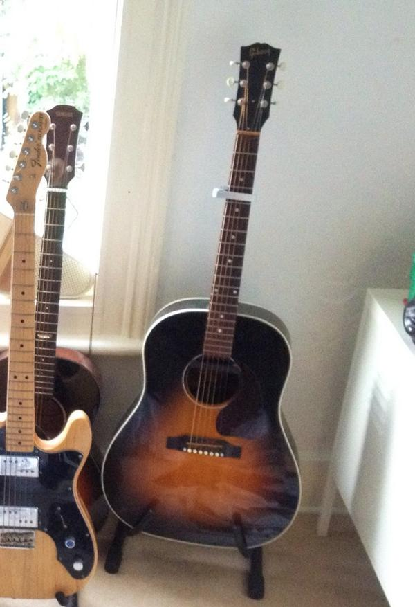 My guitar was stolen last night. It was in a lock up in Brixton Community Base on Talma Road in Brixton SW9 http://t.co/6zEpOau6lV