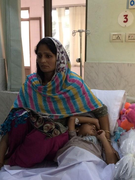 """Irum lost 2 of 3 sons in shelling on a #Pakistani border village.""""My kids were in their eid clothes now they're dead"""" http://t.co/rw5zdKud8U"""