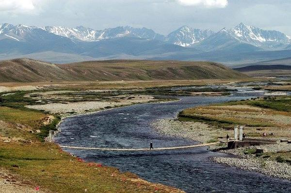 RT @PakistanNature: Stunning. This is Deosai plains, also know as lands of giants, Pakistan. #Pakistan #Tourism http://t.co/CYnvXrA27W