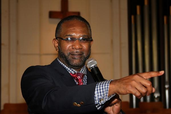 """@AskKissy: AIDS infected Pastor Admits to Sleeping With Church Members http://t.co/cUn48JedZi http://t.co/wJz4qi0Kpm"" <----- smh!!!"