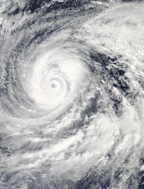 """宇宙から見た台風19号(10月9日現在)、みなさまお気をつけください。""""@NASA: Super Typhoon #Vongfong seen Oct 9. Latest: http://t.co/uFPHyYVgKt http://t.co/a9ALXHY9ej"""""""