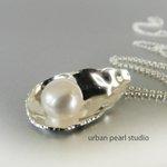 Silver Oyster Shell Pearl Pendant http://t.co/qOCq1i3DNW #jewelryonetsy #shopping #beachwedding http://t.co/DoZOEdxojc