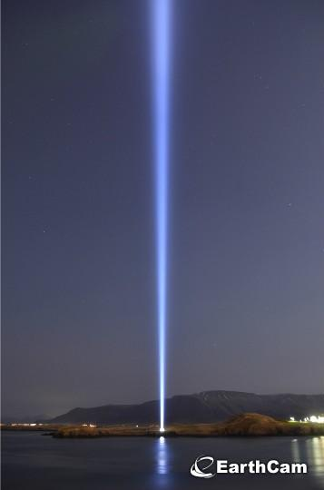 Celebrate #JohnLennon on his 74th birthday with our #webcam at the @IPTower! @yokoono http://t.co/FIHWU5qGTn http://t.co/ajcAz1oEOi